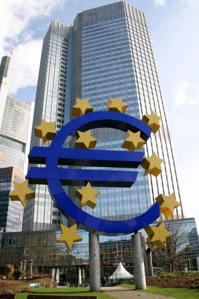 sede-del-banco-central-europeo-en-frankfurt-682x1024